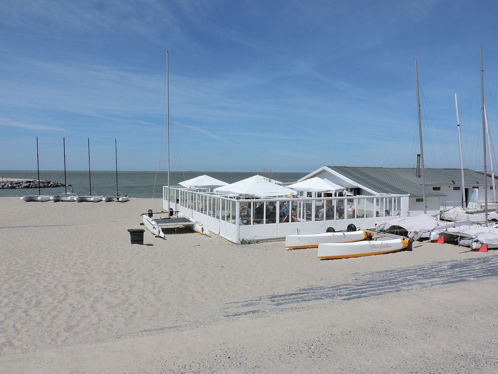 Beach clubhouse Ostend Sailing